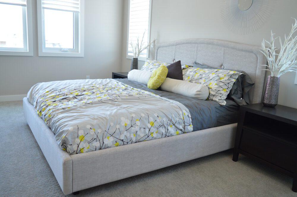 stanza da letto totally white