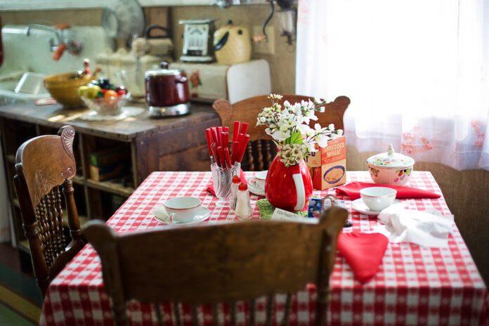 come scegliere il tavolo da cucina